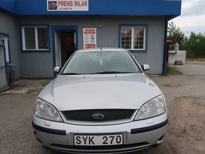 begagnad Ford Mondeo Halvkombi 2.5 V6 170hk -02
