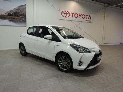 begagnad Toyota Yaris Hybrid 1,5 HSD 5-D ACTIVE