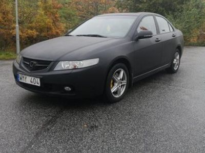 begagnad Honda Accord 2.4 VTech 190 hk Executive -05