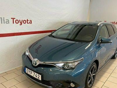 begagnad Toyota Auris Touring Sports Hybrid 1.8 INTENSE EDITION 2017, Halvkombi Pris 174 900 kr