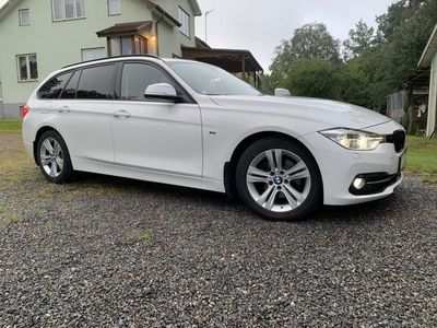 begagnad BMW 320 d xDrive Touring Sport line