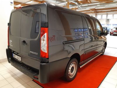 begagnad Toyota Proace Skåpbil 2.0 D-4D L2H1 Automat 163 Hk