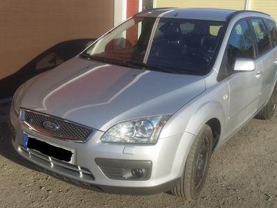 begagnad Ford Focus Kombi 1.8 Duratec Titanium
