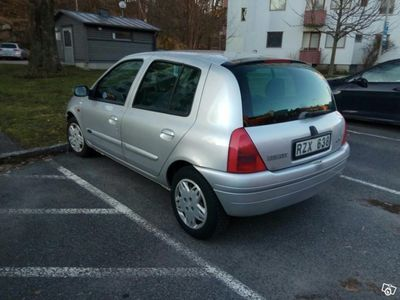 begagnad Renault Clio 1.4 Ny kamrem skattad -00