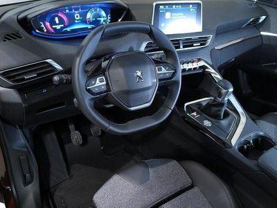 begagnad Peugeot 309 3008 ALLURE BlueHDi 120 Nya Modjöbil 2017, Halvkombi400 kr