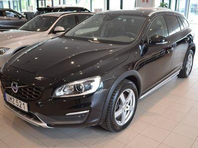 usado Volvo V60 CC D4 AWD Summum (190hk)