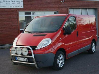 begagnad Renault Trafic Van 2.9t 2.0dCi Skåp Drag V-Hjul 115hk