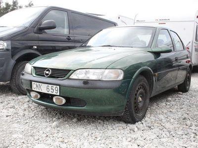 begagnad Opel Vectra 2.0 Sedan (136hk)
