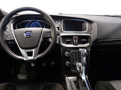 begagnad Volvo V40 D4 R-Design