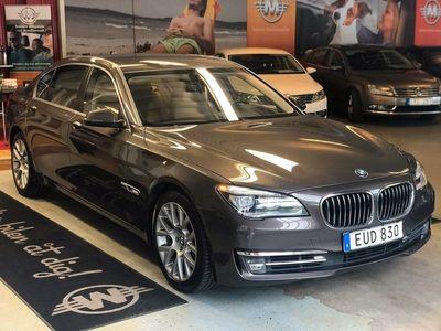 begagnad BMW 750L i 450hk / Lång / TV / Bang & Olaufse