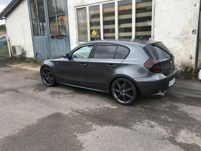 begagnad BMW 120 i besiktigad /skattad stilren byte
