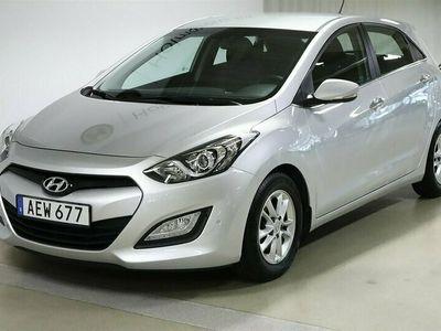 begagnad Hyundai i30 5-Dörrar Premium 16 GDi Manuell 135hk