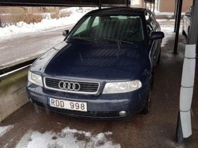 brugt Audi A4 För den händige eller reservdelsbil -00