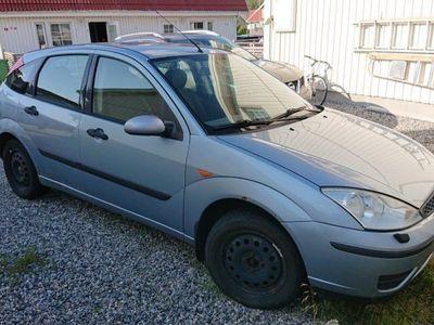 begagnad Ford Focus reservdelsbil (med körförbud) -03