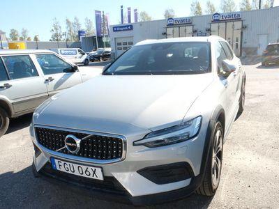 begagnad Volvo V60 CC D4 AWD SE II