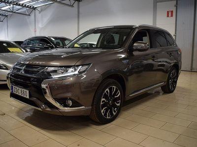 begagnad Mitsubishi Outlander P-HEV 2.0 Business (203 hk) Hybrid 4WD CVT