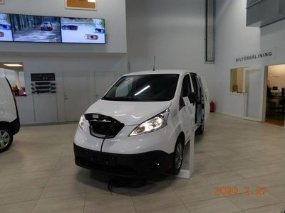 begagnad Nissan e-NV200 40KWH Premium 10,000 extra inbyte