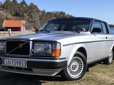 begagnad Volvo 262 Bertone 1979Mod