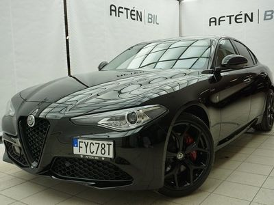 begagnad Alfa Romeo Giulia Sprint 2.0 Turbo 200hk *Facelift*