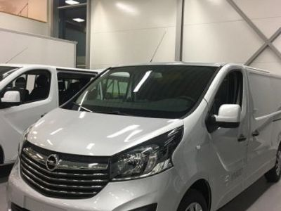 begagnad Opel Vivaro 125 hk L2H1