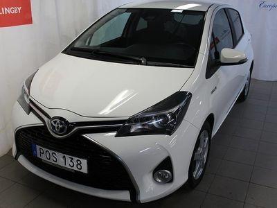 begagnad Toyota Yaris 1.5 HSD Intense Edition Safety Sense TKG 2017, Halvkombi 142 900 kr