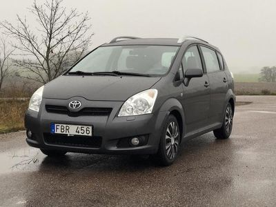 begagnad Toyota Corolla Verso 2.2 D-4D DPF