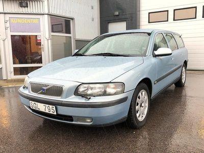 begagnad Volvo V70 2.4/ Ny Besiktigad/ 170 HK/ Drag