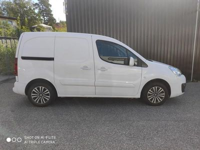 begagnad Peugeot Partner PRO+ 1.6 BlueHDi EU6 MOMS