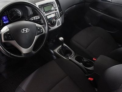 begagnad Hyundai i30 5D 1.6 CRDi M6 E-s Halvkombi