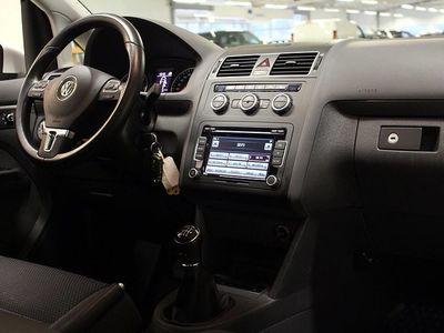 begagnad VW Touran 1.6 TDI 7-SITS DRAG MOTORVÄRMARE 2014, SUV 159 900 kr