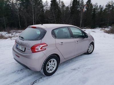 brugt Peugeot 208 5-dörrar 1.4 HDi -12