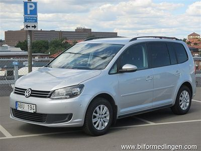 begagnad VW Touran 1.6 TDI Automat Navi Dragkrok Svensksåld