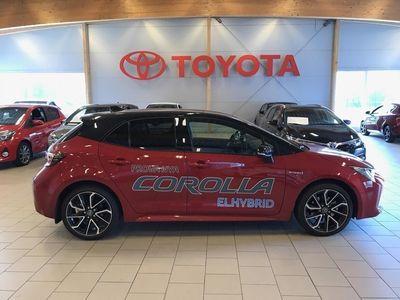 begagnad Toyota Corolla 2,0 HYBRID Executive-Bi-Tone /GPS