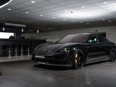 begagnad Porsche Taycan Turbo S / Sv-Såld