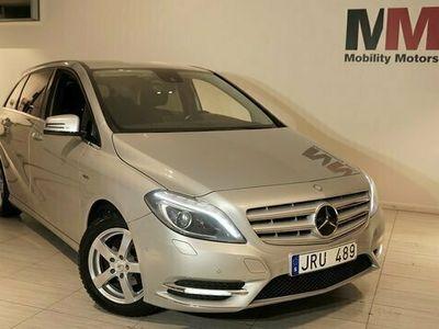 begagnad Mercedes 180 B halvkombiCDI BlueEFFICIENCY 109hk diesel manuell Silver
