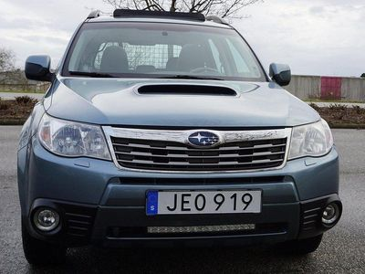 begagnad Subaru Forester 2.0 XE 4WD DRAG NYBES 147hk