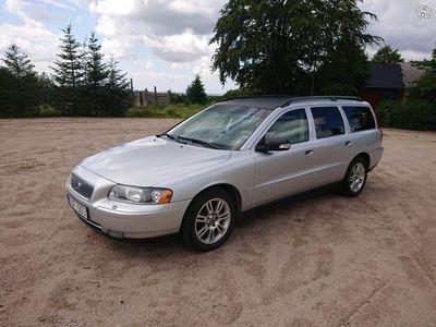 used Volvo V70 2,4D Classic Momentum -07