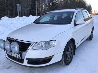 begagnad VW Passat Variant 2.0 TDI 4-Motion (140hk)