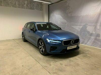 begagnad Volvo V60 D3 AWD R-Design, Selekt, On Call, Teknikpaket, Parkeringssensor Fram/Bak + Kamera, Navigation, Panoramaglastak