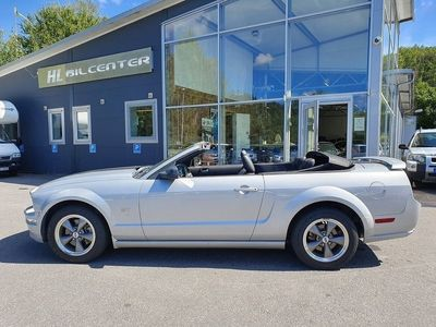 begagnad Ford Mustang GT CAB V8/305HK/MAN NYBES