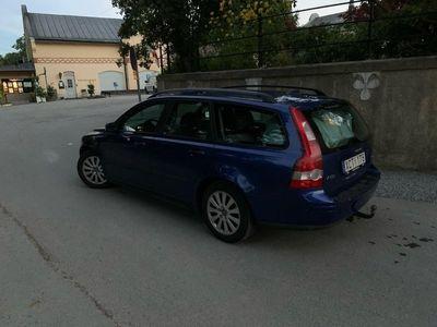 begagnad Volvo V50 2.4 skattad & besiktigad