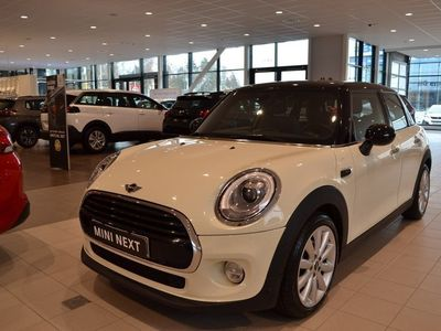 begagnad Mini Cooper 5dr Chili / Automat (136hk)