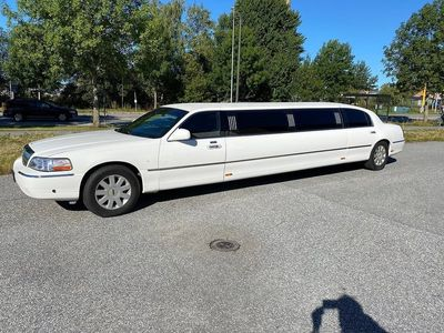 begagnad Lincoln Town Car Limo Stretch Limousine