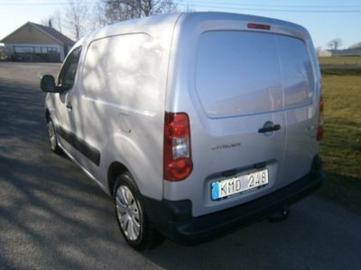 begagnad Citroën Berlingo 1.6 HDI. 90HK Ny bes -12