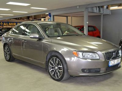 begagnad Volvo S80 4.4 V8 AWD Geartronic Summum 315hk