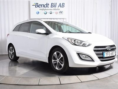 begagnad Hyundai i30 Kombi 1.6 CRDi/ Automat / Lågmil