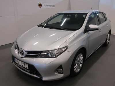 begagnad Toyota Auris 1.4 D-4d Vinterhjul 12 Mån Garanti