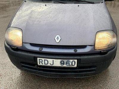 begagnad Renault Clio 1.2 nybesiktad.skattad. seevad