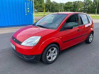 begagnad Ford Fiesta 5-dörrar 1.3 besiktad/skattad