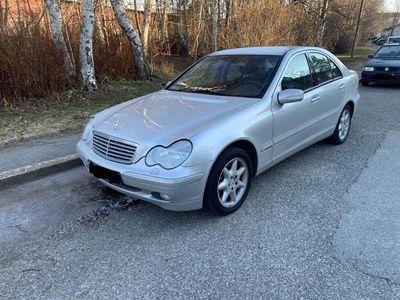 begagnad Mercedes C240 Elegance O.B.S 10.400 mil
